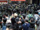 ผู้ว่าฯฮ่องกง สดุดีกม.ความมั่นคง ฉลองวันชาติจีน ท่ามกลางม็อบก่อหวอด โดนรวบแล้วกว่าครึ่งร้อย